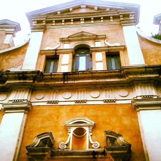 La bella facciata di Santa'Andrea