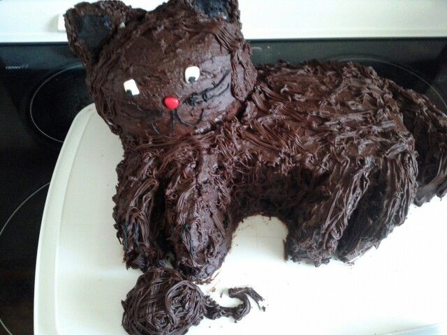 Kitty chocolate cake!
