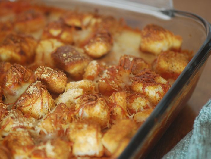 Low calorie chicken Parmesan bake (I would top with bread crumbs instead of croutons to make it lower carb/calories)