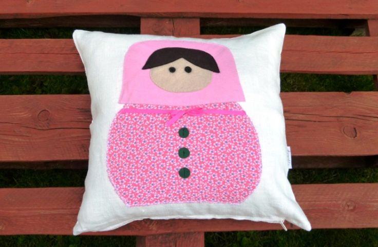 toolie - Matryoshka Doll pillow od toolie