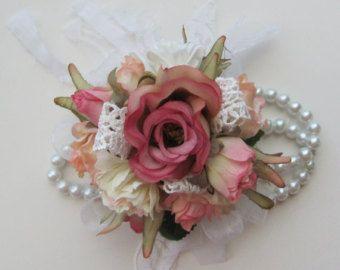 Wrist Flower Corsage Wristlet for Weddings di flowerfilledweddings