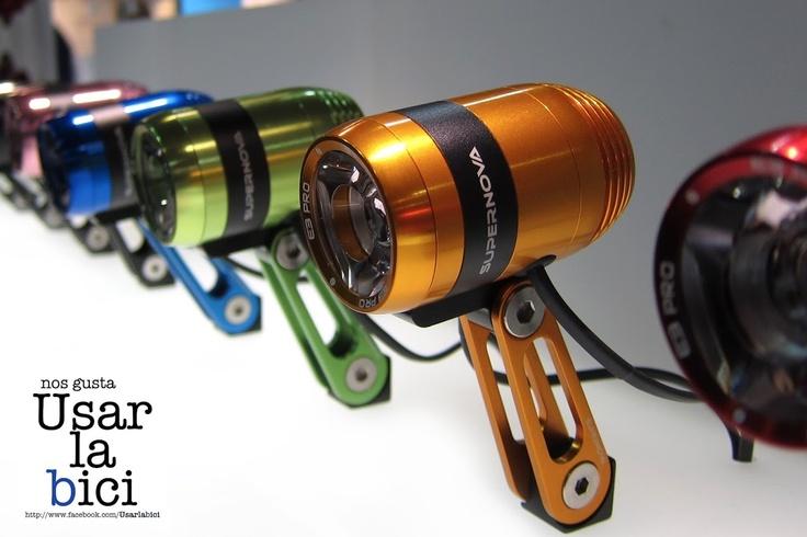 ¿Por qué debería utilizar una luz LED de bicicletas?    La luz LED bicicleta se asocia con la comodidad y la eficiencia. Para empezar, están disponibles en una amplia variedad de colores, especialmente para las luces de la bicicleta frente. Uno puede encontrar un rojo, azul o amarillo claro LED bicicleta. Estos son sólo unos pocos ejemplos.     Fuente: www.guadalajarainteractiva.com #mtb #bicycle #bicicleta #rider #usarlabici