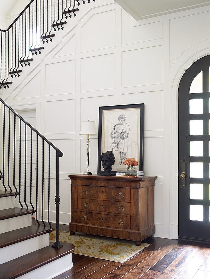 European-style Foyer / Entry - Thompson Custom Homes