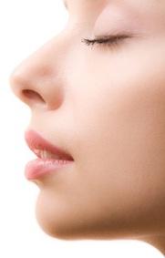 Zapraszamy: http://agklinik.com/oferta/chirurgia-estetyczna/twarz-i-szyja/korekcja-ksztaltu-nosa/