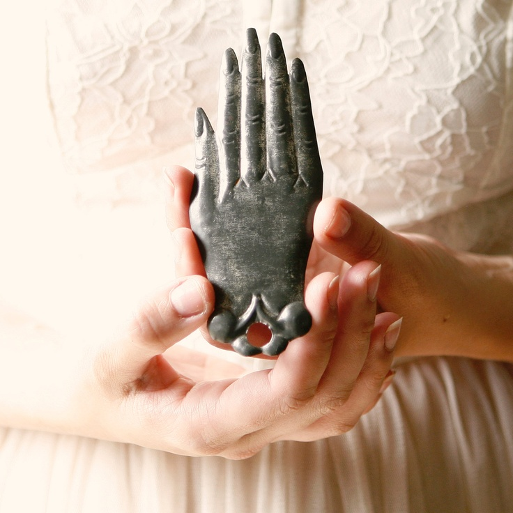 <3 this hand!