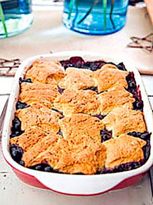 Blueberry Cobbler with Sweet Biscuit Topping: Peach Cobbler With Biscuits, Biscuit Topping, Sweet Biscuits Gonna, Blackberry Cobblers, Blueberry Cobbler, Blackberry Cobbler Recipe, Fruit Cobblers, Biscuits Tonight, Baking Soda