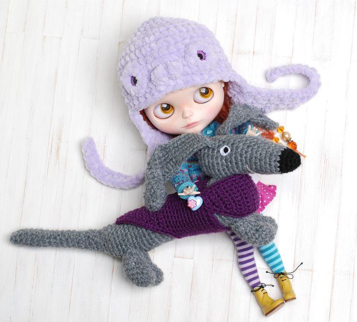 https://www.etsy.com/listing/252133029/dachshund-dog-sweater-amigurumi-crochet?ref=shop_home_active_2