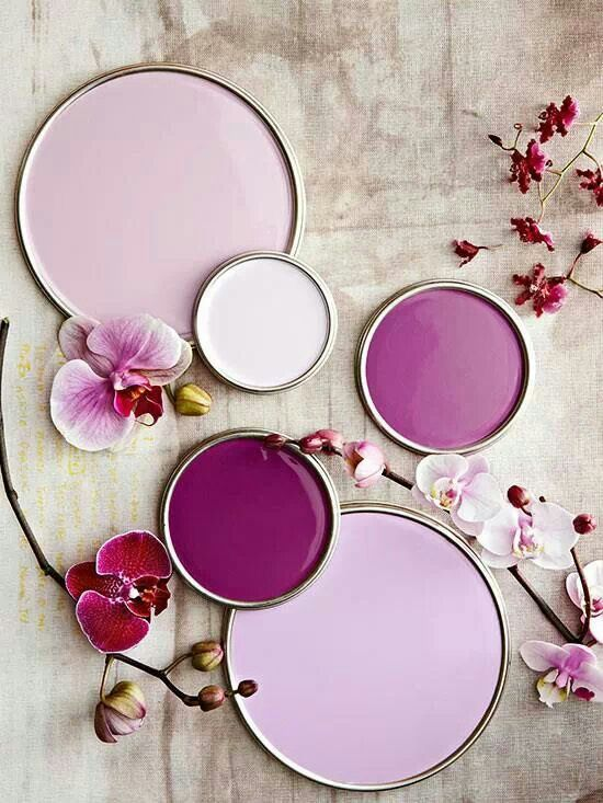 I call this color scheme Berries 'n' Cream, love the deep berry purple shades!