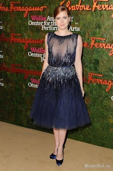 Темно синее платье ферагамо