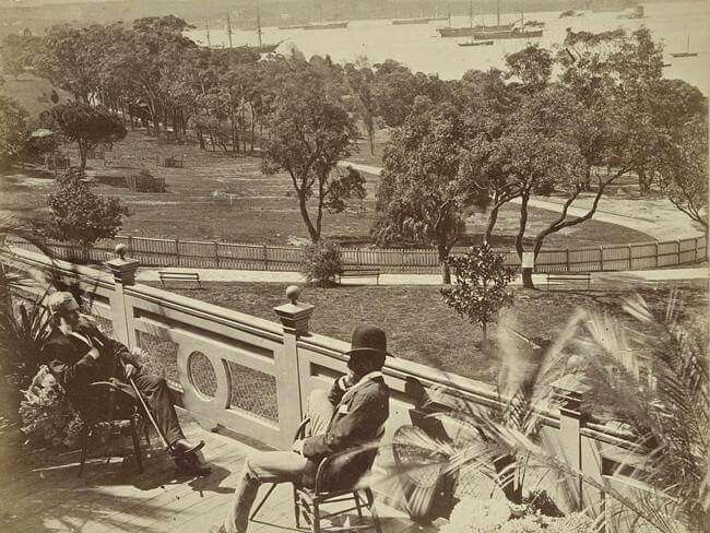 Gentlemen relaxing at the Garden Palace grounds overlooking Sydney Harbour in 1879.During an exhibition,the building housed restaurants,an oyster bar and tea rooms.Photo from State Library of NSW.A♥W