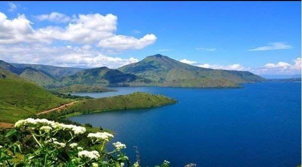 13 Pemandangan Ter Indah Di Indonesia 10 Danau Terindah Di Indonesia Sajikan Pemandangan Spektakuler Download The World S Mo Di 2020 Danau Toba Pemandangan Danau