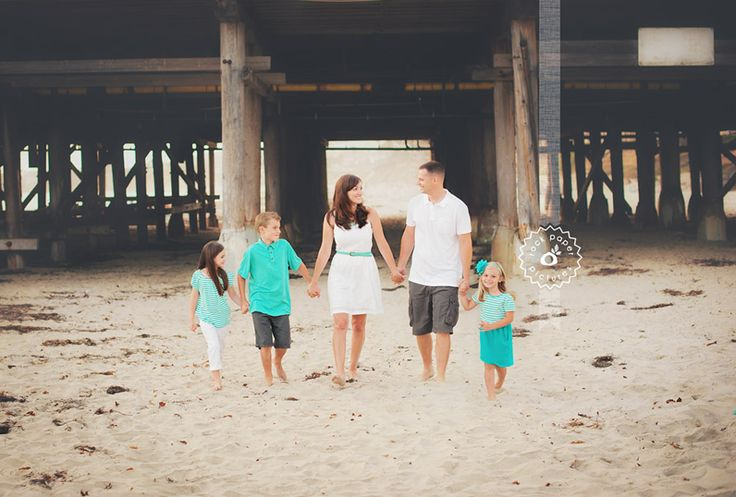 www.rockpaperpictures.net  Family Walking and Holding Hands Picture | Beach Photo | What to Wear |
