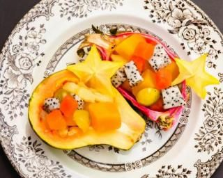 Salade de fruits exotiques extra light pour les fêtes : http://www.fourchette-et-bikini.fr/recettes/recettes-minceur/salade-de-fruits-exotiques-extra-light-pour-les-fetes.html