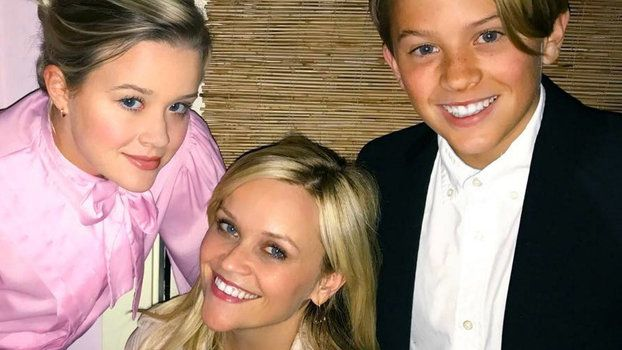 Reese Witherspoon's Sons Look So Cute on theLast Day of School