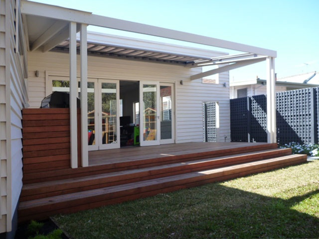Deck And Pergola With Retractable Awning