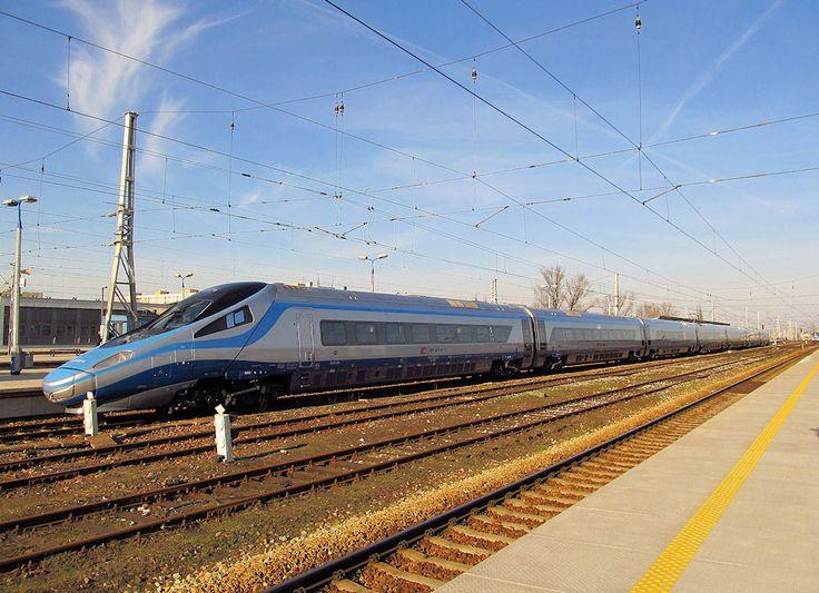 https://flic.kr/p/rHLxCm | Alstom ED250-019, PKP IC | On line IC Premium from Wrocław Gł to Warszawa Wsch. East Warsaw station. 23.03.2015 r.