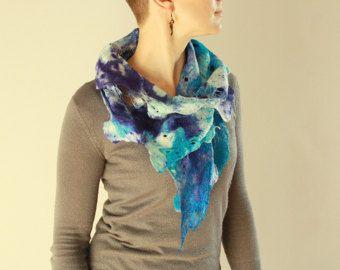 Ocean blue lacy wrap - licht azure blauw zomer sjaal - Gevilte kanten sjaal