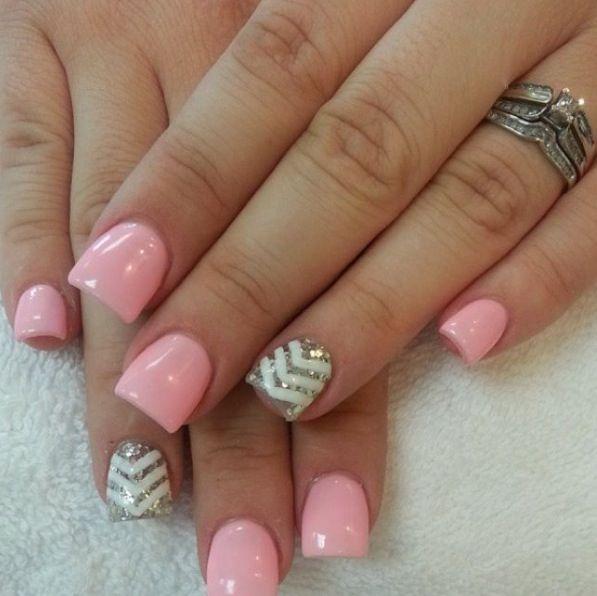 Rosa pastel y dorado. Nails Uñas