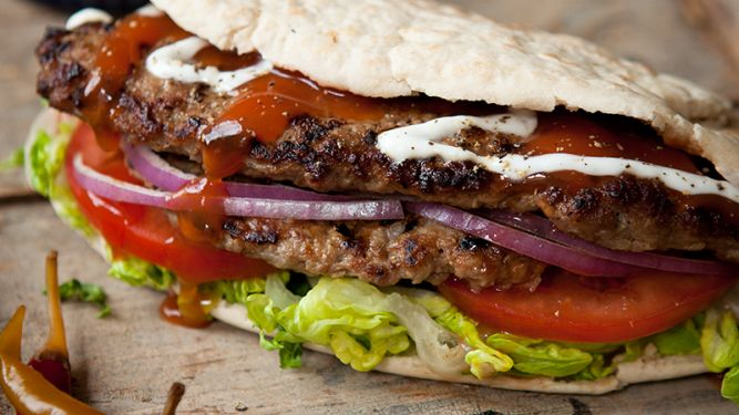 DIETER'S DONER KEBABS! Serves: 4 (361 calories/portion) Prep time: 20  Cooking time: 5