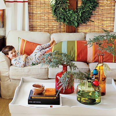Southern Living: Holiday Ideas, Coffee Tables, Southern Living, Colors Bottle, Christmas Decor Ideas, Living Room, Christmas Decorating Ideas, Christmas Ideas, Sofas Pillows