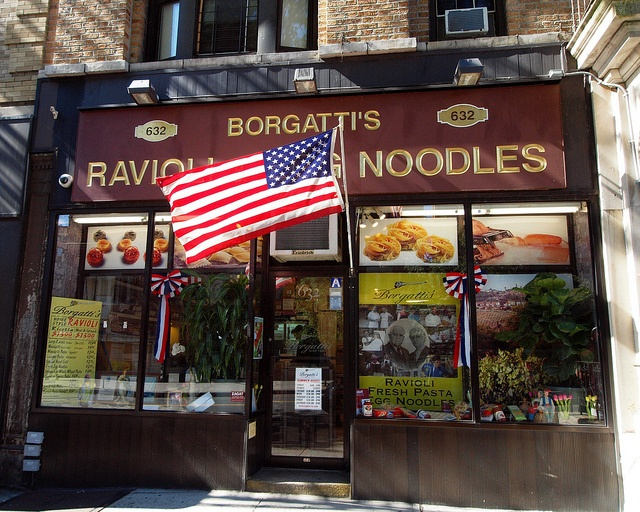 Borgatti's Ravioli and Egg Noodles Pasta Shop, Little Italy, Bronx, New York City by jag9889, via Flickr