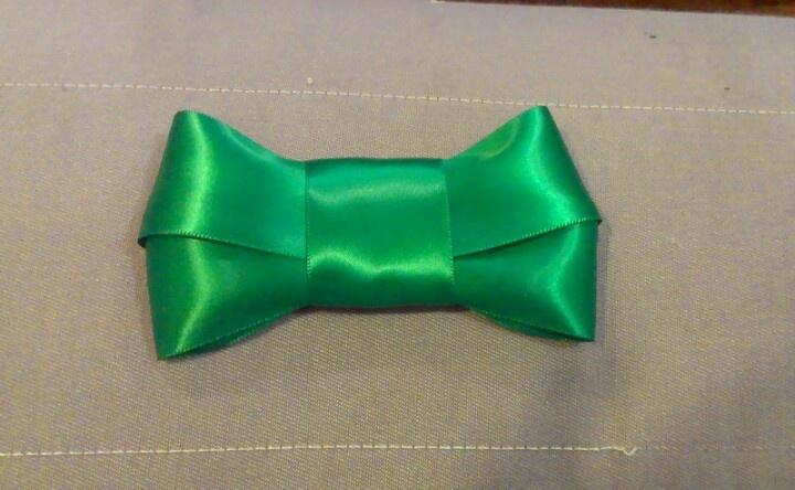 Emerald Green Bow! $10