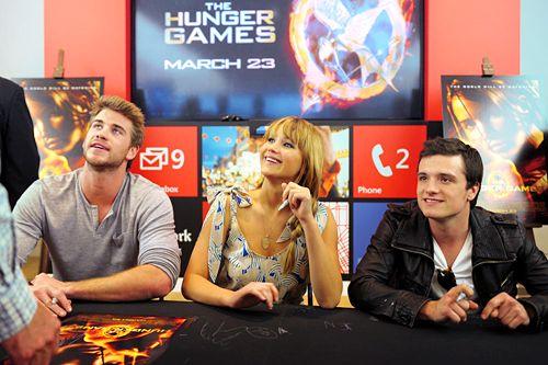 .Josh Hutcherson, Games Crew, Aww Joshi, Tv Movies Music Book, Hunger Games, Beautiful People, Flawless Human, Movies Book, Jennifer Lawrence