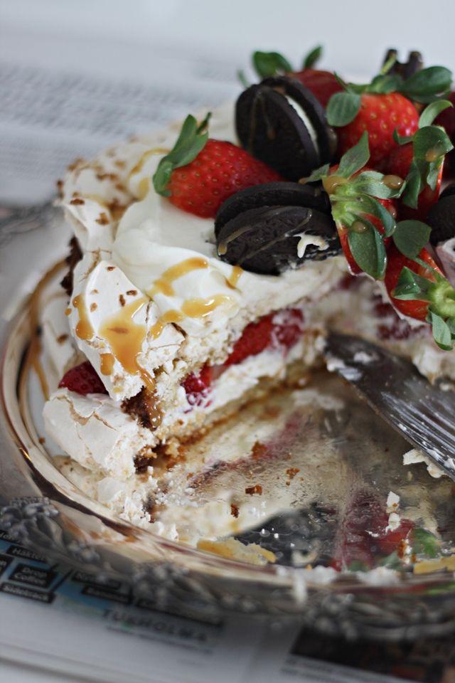 LA PETITE PRINCESSE: Vinkki kesäjuhlien kakkupöytään - kinuskinen britakakku.
