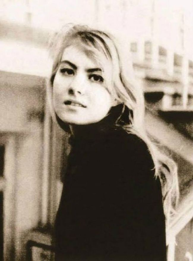 Renata Litvinova - freshman screenwriting faculty of VGIK, 1984.