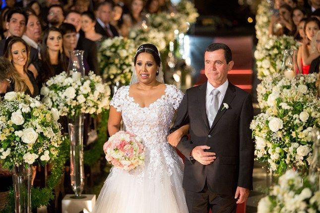 Confira no blog de casamento Colher de Chá Noivas o casamento vintage de Giane e Gustavo, fotografado por Giovani Garcia em Petrópolis.