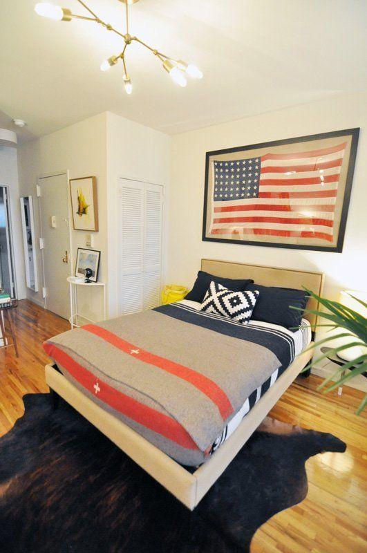Evan's Modern & Cozy Manhattan Studio: Trade blankets meet modern apartment