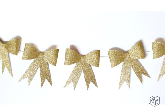 DIY Paper Bows…Dress up your next party with a paper bow garland + paper bow straws! via momsbestnetwork.com