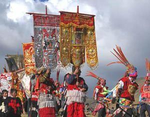 CUSCO, PERÚ- El peregrinaje al Señor de Qoylloriti, tradicionalmente, se realiza en la luna llena previa al Solsticio de invierno. Esto es más o menos alrededor de los finales del mes de mayo y primera semana de junio.