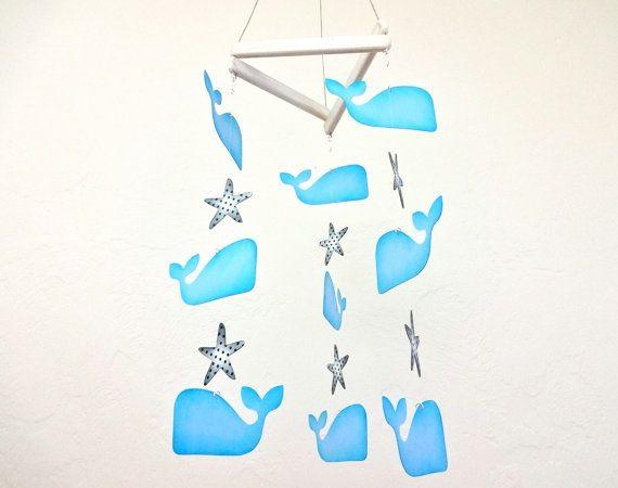 Mobile de baleine à la main, pépinière nautique, baleine, Star, Star Fish, bébé, pépinière nautique, pépinière, bleu marine