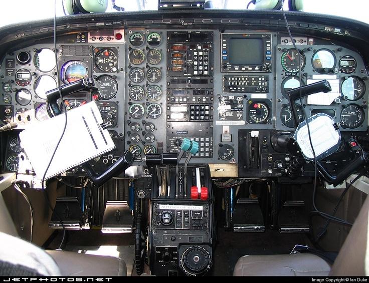 Piper PA31T2 Cheyenne II XL Cockpit View Pinterest