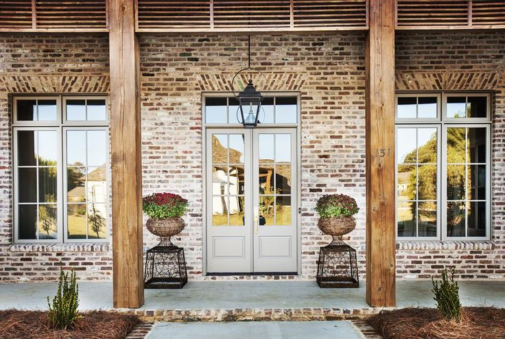 #porticohomes #frontdoor #windsorwindows #gaslight #louvers #frontporch