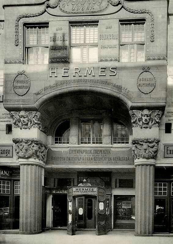 1900-as évek. Petófi Sándor utca 5. Hermes Rt. székháza.