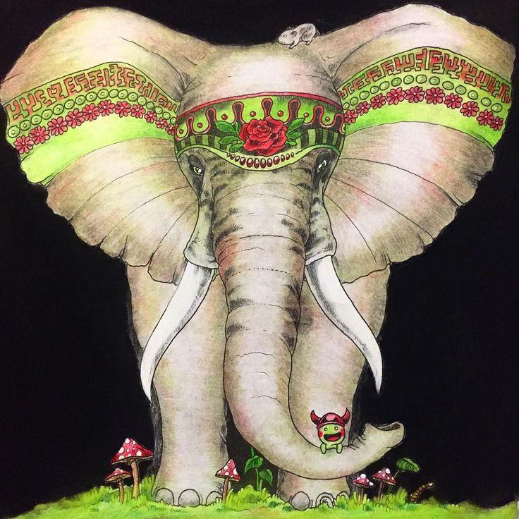 Изначально хотел сделать белого слона, ну, думаю, дорисую серые тени, в итоге немножко увлёкся 😆 вдохновлённый видео @e.moskaleva решил сделать черный фон. Когда-то уже делал черный фон пастельным карандашом и все было ок, в этот раз что-то пошло не так😕 Результат, конечно-же супер, но теперь наверное половину квартиры придется перестирывать 😂 #аниморфозы #раскраска #рисунок #раскраскаантистресс #раскраскадлявзрослых #рисуюкакмогу #рисуюкакхочу #рисуноккарандашом #аниморфия #иллюстрация…