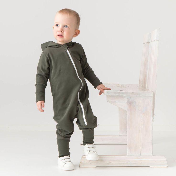 ROCK baby collegehaalari, oliivi | NOSH verkkokauppa | Tutustu lasten ja naisten alkusyksyn 2017 kausimallistoon. Ihastu lastenvaatteiden suosikkeihin uusissa väreissä, ja naistenvaatteiden uusiin malleihin. Tilaa omat tuotteesi NOSH vaatekutsuilla, edustajalta tai verkosta >> nosh.fi (This collection is available only in Finland)