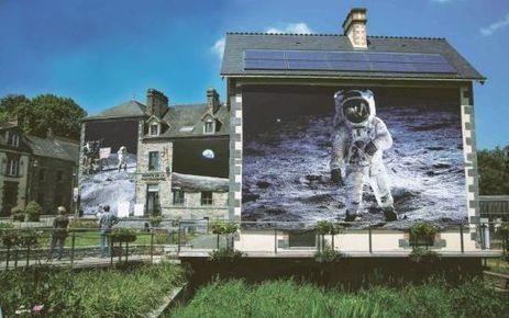 De la Lune à la Terre ! #photography #laGacilly #festival Moon to Earth !  #photo #photographie #photographer #photography #photographe #OlivierOrtion