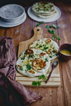 This instant naan recipe comes extremely handy. No yeast, no eggs and yet pillowy and puffs beautifully. – More at http://www.GlobeTransformer.org