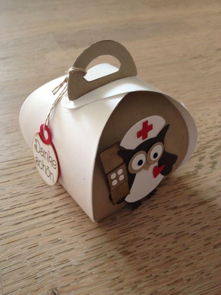 Stempellicht: Zierschachtel mit Eule als Mitbringsel in die Klinik...