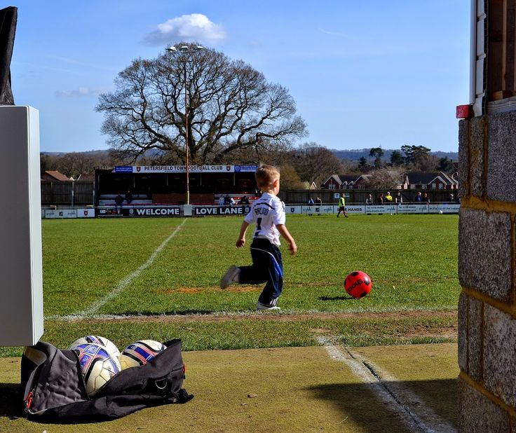 Hopping Around Hampshire: Petersfield Town v Lymington Town