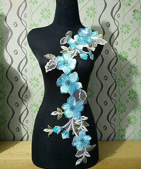 Ready renda bordir harga grosir dan ecer minta bisa langsung pm!!! #renda#bordir#kebaya#kebayamodern#kain#lace#batik#textile#textiles#kaftan#gamis#gaun#shop#shopping#olshop#batikmodern#busana#wardah#wedding#weddingdress#dress#dressmurah#onlineshop#onlineshopping#baju#pengantin#makeupartist#artist#indonesia http://gelinshop.com/ipost/1518159781809246956/?code=BURlkcrBlLs