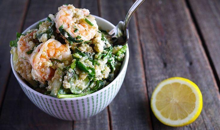 Κινόα με ψητές γαρίδες, πράσινα λαχανικά και φρέσκα μυρωδικά