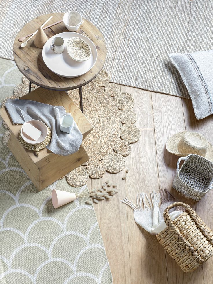 Natural Textures - styled by Kendyl Middelbeek & Juliette Wanty. Photography by Melanie Jenkins. Your Home & Garden September 2013.