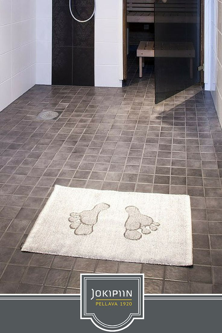 Follow in the footsteps of the sauna elves as you step out of the sauna or shower. Stand on this mat and luxuriate in the quality beneath your feet. The thick, linen terry mat will absorb your drips, keeping the bathroom floor dry and reducing slip hazards.