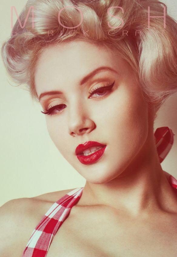 I love the pin up girl make-up