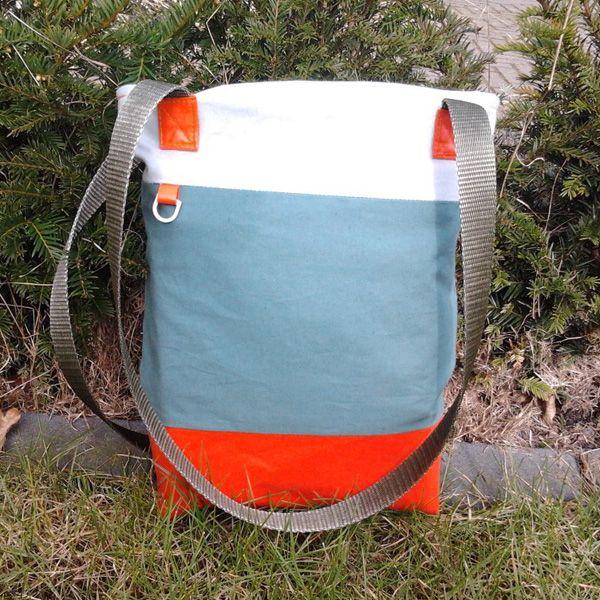 Oranje onder, tas van tentdoek