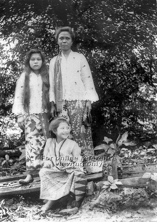 MALAY WOMEN - 1909